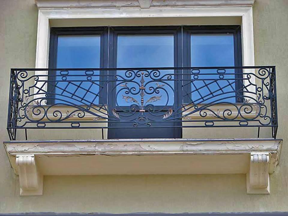Кованые балконы, французские ограждения и решетки для балкон.